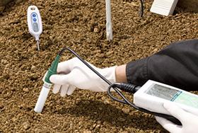 土壌の温度、水分量の管理